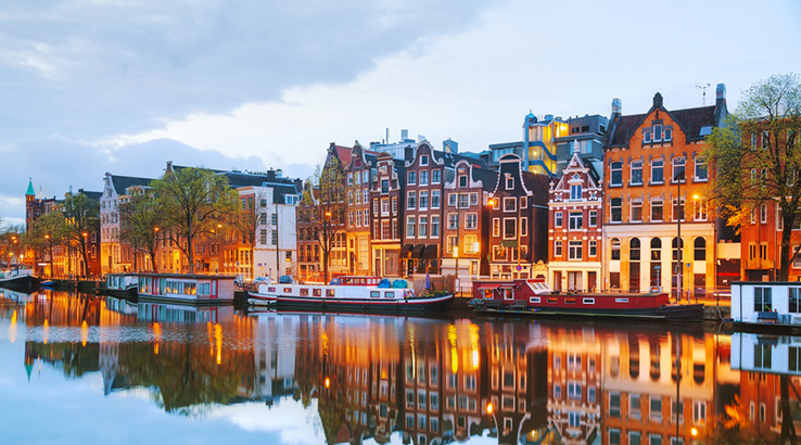 amsterdam-shutterstock_278852369-738